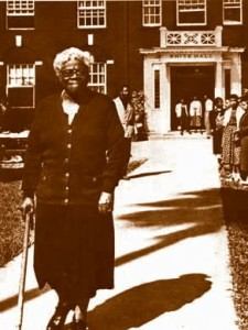 Dr. Mary Bethune in front of White Hall on the campus of Bethune-Cookman College in Daytona Beach, Florida